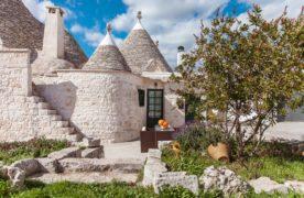 Italie, 5 Trulli traditionnels de la région des Pouilles sélectionnés…